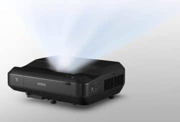 O Epson EH-LS100 διαθέτει πηγή φωτός laser που υπολογίζεται να διαρκέσει 10 χρόνια. (φωτό: Epson)