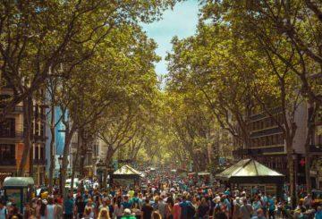 Η ζωή στους δρόμους της Βαρκελώνης μέσα από ένα φακό