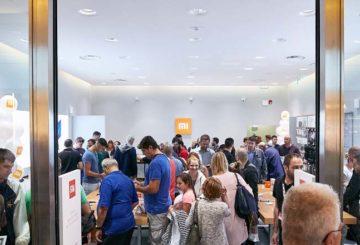 Επιτυχία γνωρίζει το πρώτο Mi Store στην Ευρώπη (φωτό: Info Quest)
