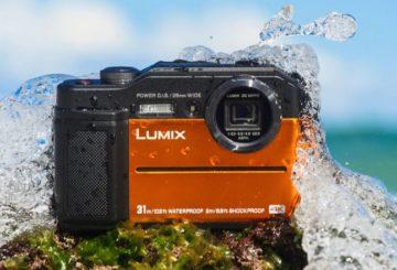 Panasonic Lumix DC-FT7 sea splash