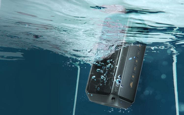 lg xboom go pk3 underwater